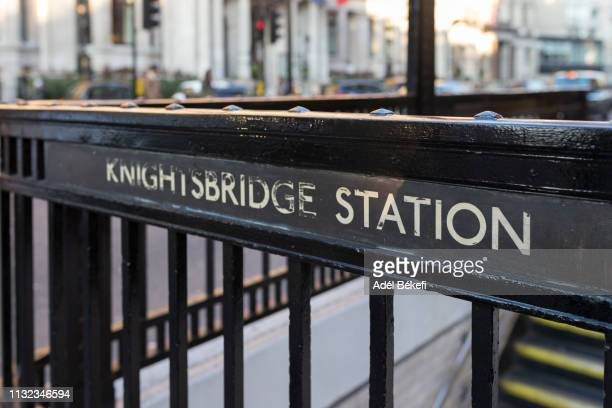 kinghtsbridge station (london) - underground sign stock pictures, royalty-free photos & images