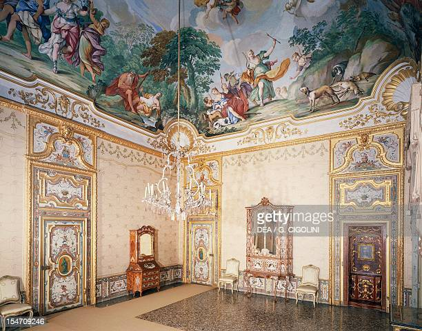 King's chamber with a fresco by Michele Antonio Milocco Stupinigi's Little Hunting Palace by the architect Filippo Juvarra Italy 18th century