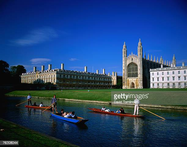king's college chapel and punts on river, cambridge, cambridgeshire, england, united kingdom, europe - cambridge university stock pictures, royalty-free photos & images