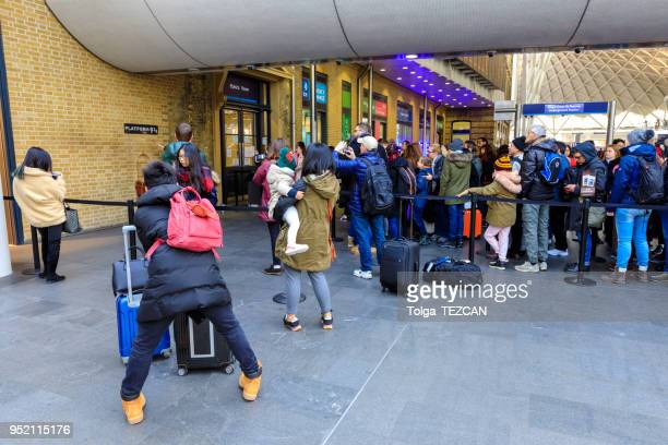 kings cross st pancras railway station - eurostar stock pictures, royalty-free photos & images