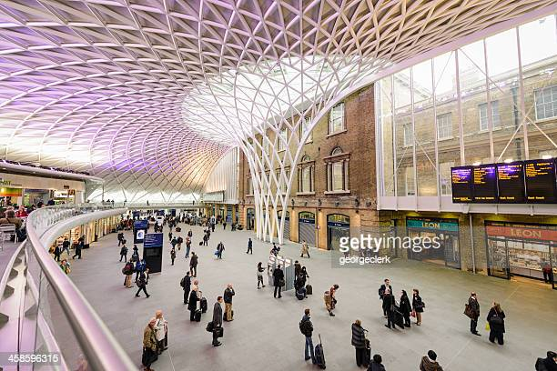 king's cross station in london - railroad station stock pictures, royalty-free photos & images