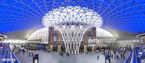 キングス クロス鉄道駅、都市の景観、建築、ロンドン、イングランド、イギリス - キングスクロス駅 ストックフォトと画像