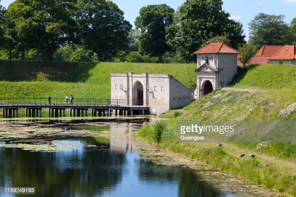 king's gate of the kastellet in copenhagen - gwengoat stock pictures, royalty-free photos & images