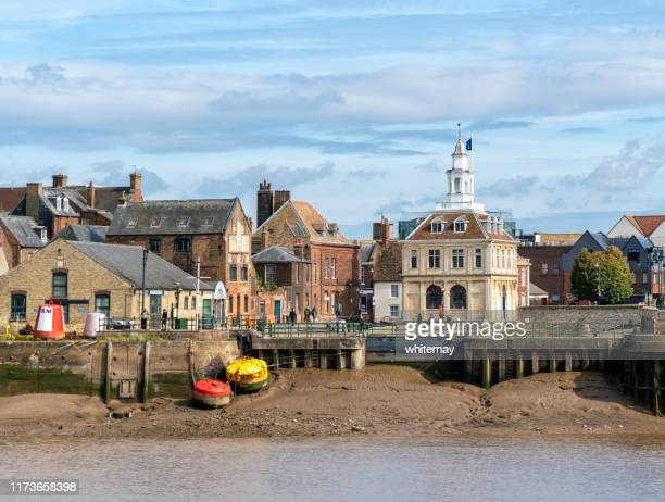 king's lynn's former custom house and entrance to the purfleet - king's lynn stock pictures, royalty-free photos & images