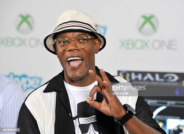 'Kingsman The Secret Service' actor Samuel L Jackson takes a break from ComicCon to check out Xbox One Halo The Master Chief Collection in the...