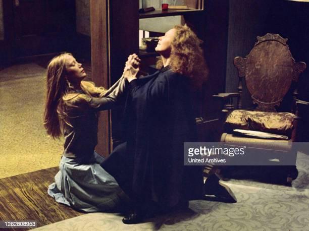 Kino. Carrie - Des Satans jüngste Tochter, USA Regie: Brian De Palma, SISSY SPACEK + PIPER LAURIE.