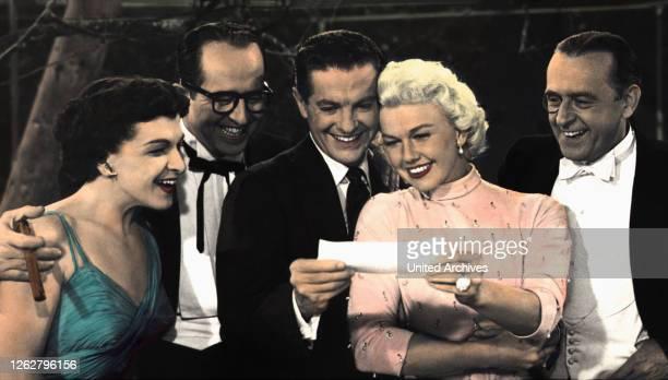 Kino. Das blonde Glück, USA Regie: Jack Donohue, NANCY WALKER, PHIL SILVERS, ROBERT CUMMINGS, DORIS DAY, EDDIE FOY Jr., Stichwort: Brief, Freude.