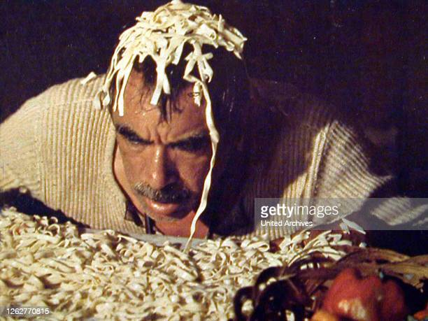 Kino. Das Geheimnis Von Santa Vittoria, 1960er, 1960s, Film , Italian Food, Nudeln, Pasta, Secret Of Santa Vittoria, The, food, Das Geheimnis Von...