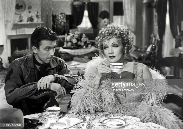 Kino. Der Grosse Bluff, Destry Rides Again, Der Grosse Bluff, Destry Rides Again, James Stewart, Marlene Dietrich Der frischgebackene Sheriff holt...