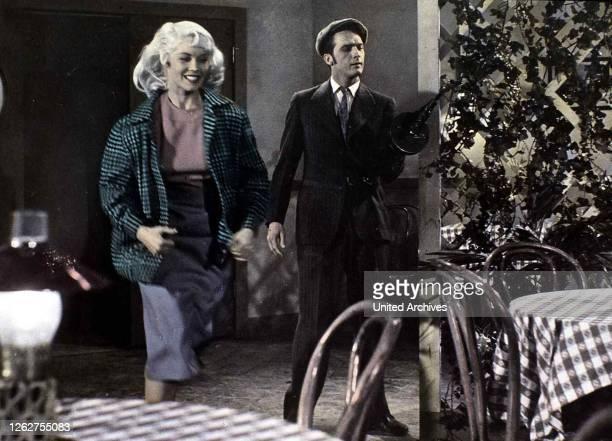 Kino. Die Hoellenkatze, Bonnie Parker Story, Die Hoellenkatze, Bonnie Parker Story, Dorothy Provine, Jack Hogan Gemeinsam mit Guy Darrow verübt...