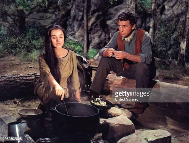 Kino. Die letzte Jagd, USA Regie: Richard Brooks, DEBRA PAGET, STEWART GRANGER, Stichwort: Squaw.