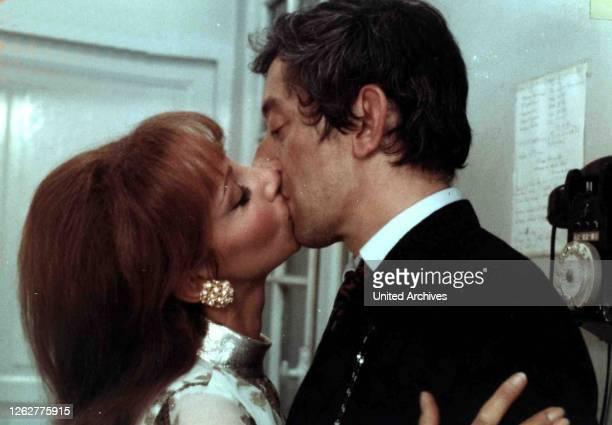Kino. Du Bist Wunderbar, 1960er, 1960s, Kuss, Paar, Slogan, couple, kiss, Du Bist Wunderbar, 1960er, 1960s, Kuss, Paar, Slogan, couple, kiss, Andrea...