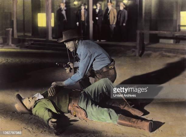 Kino Ein Mann allein USA Regie Ray Milland RAY MILLAND Stichwort Revolver