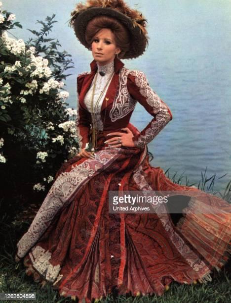 Kino Hello Dolly USA Regie Gene Kelly BARBRA STREISAND Stichwort Kleid
