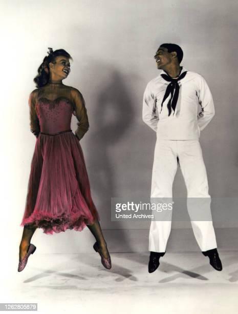 Kino Heut' gehn wir bummeln USA Regie Gene Kelly Stanley Donen VERA ELLEN GENE KELLY Stichwort Matrose Uniform Tanzen Kleid