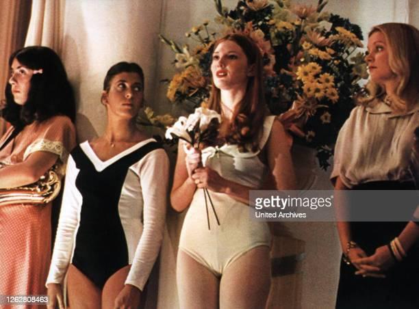 Kino. Lauter nette Mädchen, USA Regie: Michael Ritchie, ANNETTE O'TOOLE , Stichwort: Misswahl, Blumen.