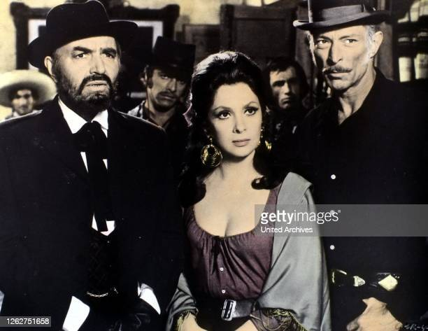 Kino. Matalo, Bad Man's River, Matalo, Bad Man's River, James Mason, Gina Lollobrigida, Lee van Cleef in Szene , 1972.