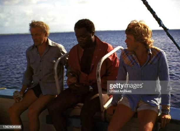 Kino. Mörderhaie greifen an, USA Regie: Cornel Wilde, CORNEL WILDE, YAPHET KOTTO, JOHN NEILSON, Stichwort: Meer, Boot.