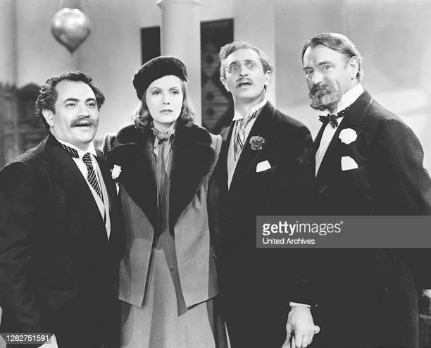 Kino. NINOTSCHKA Ninotchka USA, 1939 Ninotschka wird in den Westen geschickt. Als Sowjetagentin soll sie in Paris drei Genossen zur Vernunft bringen,...