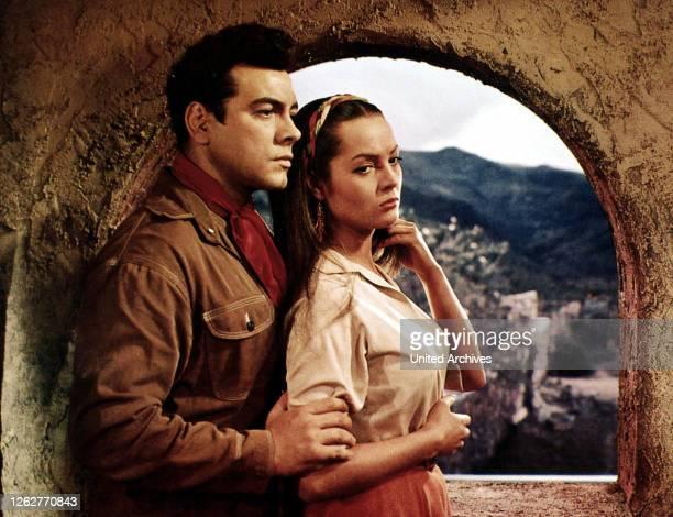 Kino. Serenade, Serenade, Serenade, Serenade, Mario Lanza, Sarita Montiel Juanita kann Damon von seinem Kummer heilen. , 1956.