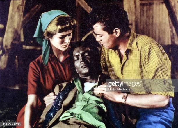 Kino Simba Simba Simba Simba Virginia McKenna Earl Cameron Dirk Bogarde Mary und Allan Howard kuemmern sich um den verletzten Karanja 1955