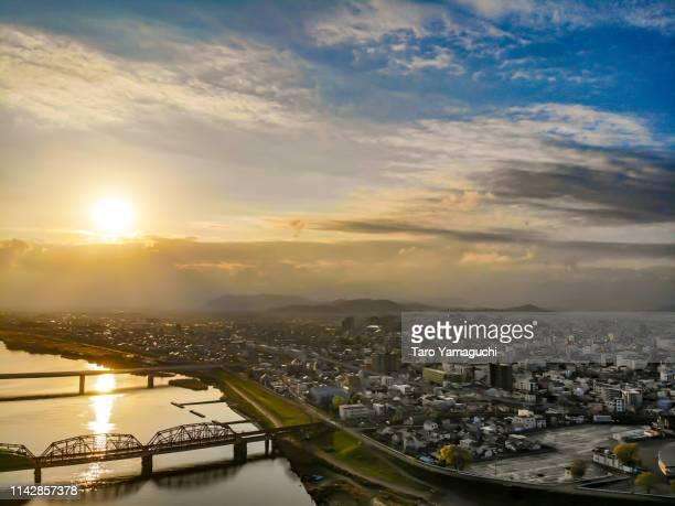 kinokawa river and sunrise - 地形 ストックフォトと画像