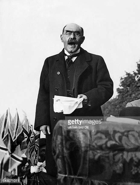 Kipling, Rudyard *30.12.1865-+Schriftsteller, GBLiteraturnobelpreis 1907- bei einer Rede in London- 1914