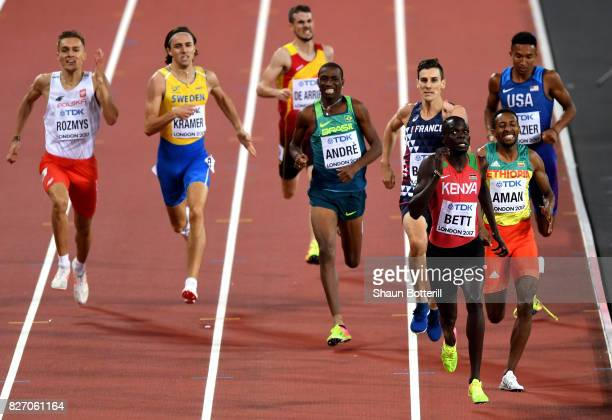 Kipyegon Bett of Kenya competes in the Mens 800 Metres semi finals during day three of the 16th IAAF World Athletics Championships London 2017 at The...
