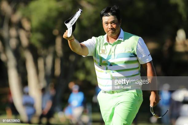 Kiradech Aphibarnrat of Thailand acknowledges the gallery after defeating James Nitties of Australia in the final during day four of the World Super...