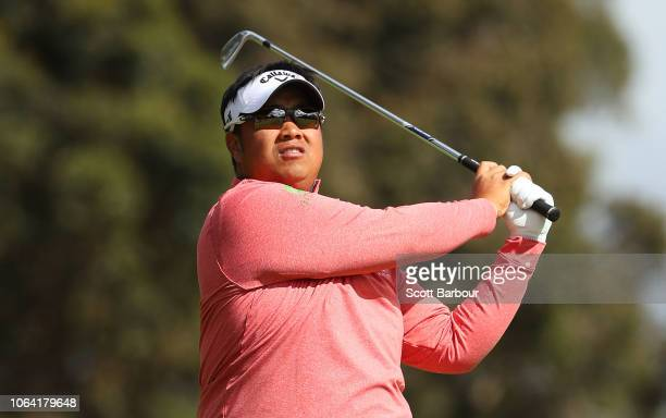 Kiradech Aphibarnrat of Thailand plays a shot on the 9th hole during day one of the 2018 World Cup of Golf at The Metropolitan on November 22 2018 in...