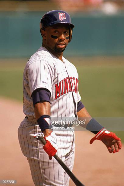 Kirby Puckett of the Minnesota Twins warms up during a game in the 1989 season