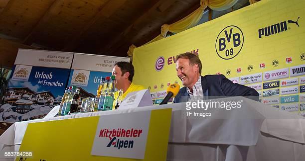 Kirchberg Oesterreich Trainingslager Pressekonferenz Borussia Dortmund Geschaeftsfuehrer HansJoachim Watzke