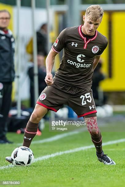 Kirchberg Oesterreich Trainingslager Testspiel Borussia Dortmund FC St Pauli 32 Dennis Rosin