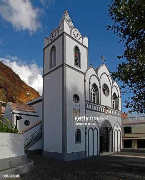 Kirche Igreja Nossa Senhora do Rosário verkleinerte Imitation von NôtreDame in Paris durch zurückgekehrte Auswanderer finanziert Jardim do Mar...