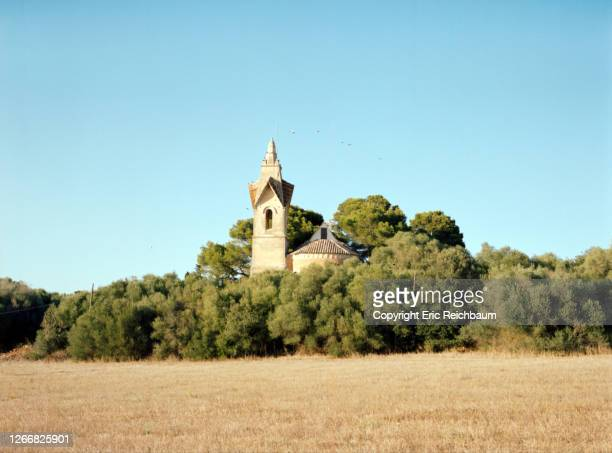 kirche in santa margalida - kirche stock pictures, royalty-free photos & images
