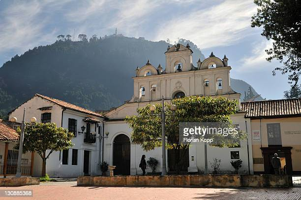 Kirche Nuestra Senora de las Aguas and Monserrate Mountain, Bogota, Kolumbien, Suedamerika