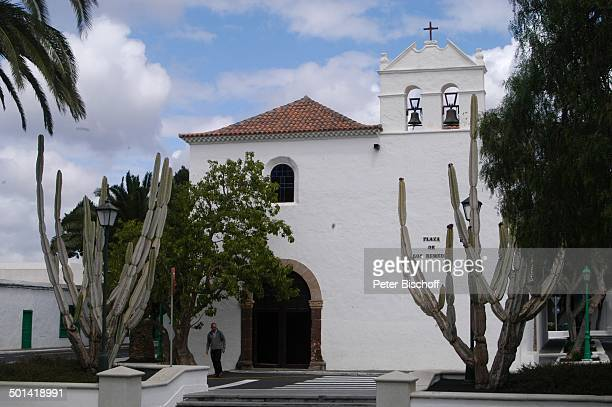Kirche und Plaza de los Remedios Yaiza KanarenInsel Lanzarote Spanien Europa Reise BB DIG PNr 382/2005