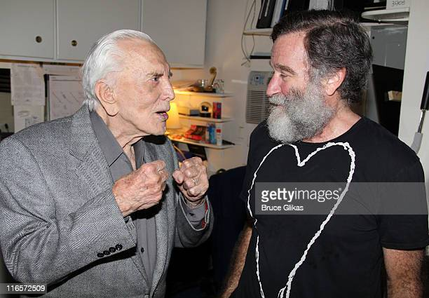 Kirk Douglas and Robin Williams pose backstage at the hit play Bengal Tiger at The Baghdad Zoo on Broadway at The Richard Rogers Theater on June 15...