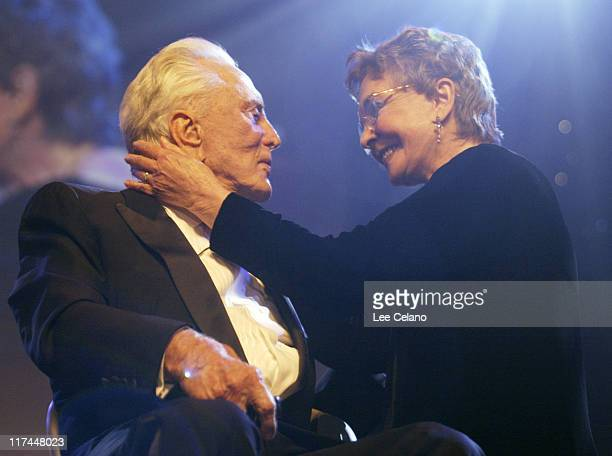 Kirk Douglas recipient of the Lifetime Achievement Award and Anjelica Huston Jean Simmons