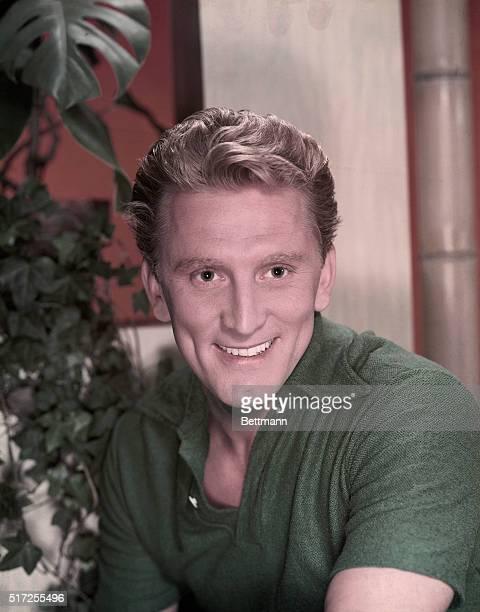1957 Kirk Douglas smiling closeup