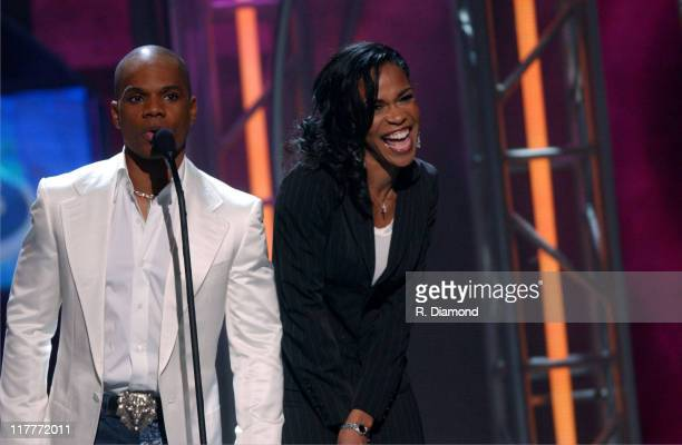 Kirk Franklin and Michelle Williams present the award for Group of the Year