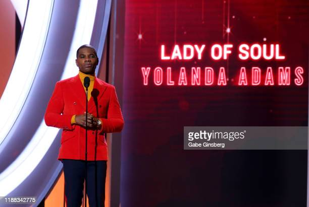 "Kirk Franklin presents the ""Lady of Soul"" award during the 2019 Soul Train Awards at the Orleans Arena on November 17, 2019 in Las Vegas, Nevada."