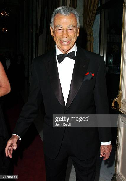 Kirk Kerkorian at the The Regent Beverly Wilshire Hotel in Beverly Hills California