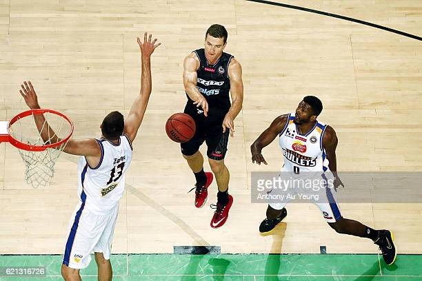 Kirk Penney of New Zealand makes a pass against Tom Jervis of Brisbane during the round five NBL match between the New Zealand Breakers and the...
