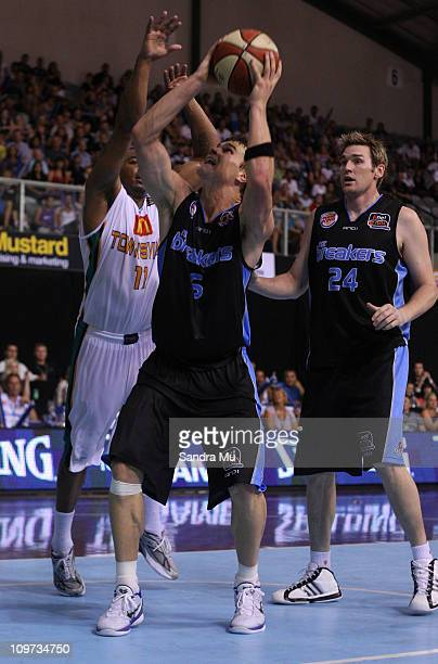 Kirk Penney of the Breakers looks to shoot during the round 21 NBL match between the New Zealand Breakers and the Townsville Crocodiles at North...