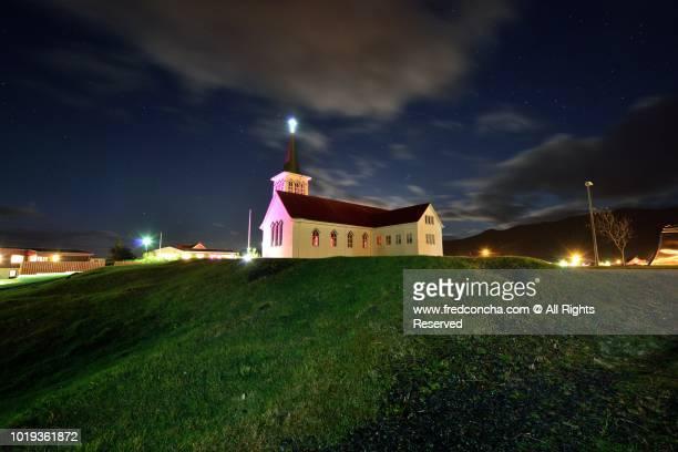 kirkjufell church under stars