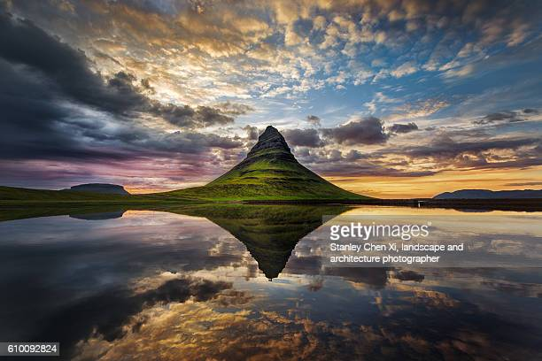 kirkjufell reflection - louisville kentucky stock pictures, royalty-free photos & images