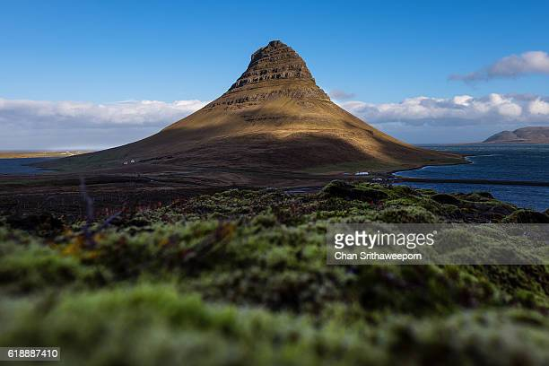 kirkjufell , snaefellsnes peninsula, iceland - louisville kentucky stock pictures, royalty-free photos & images