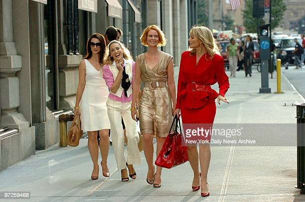 Kirsten Davis, Sarah Jessica Parker, Cynthia Davis and Sex And The City Cast Reunite for their feature movie ...filming on Park Ave at e55th st