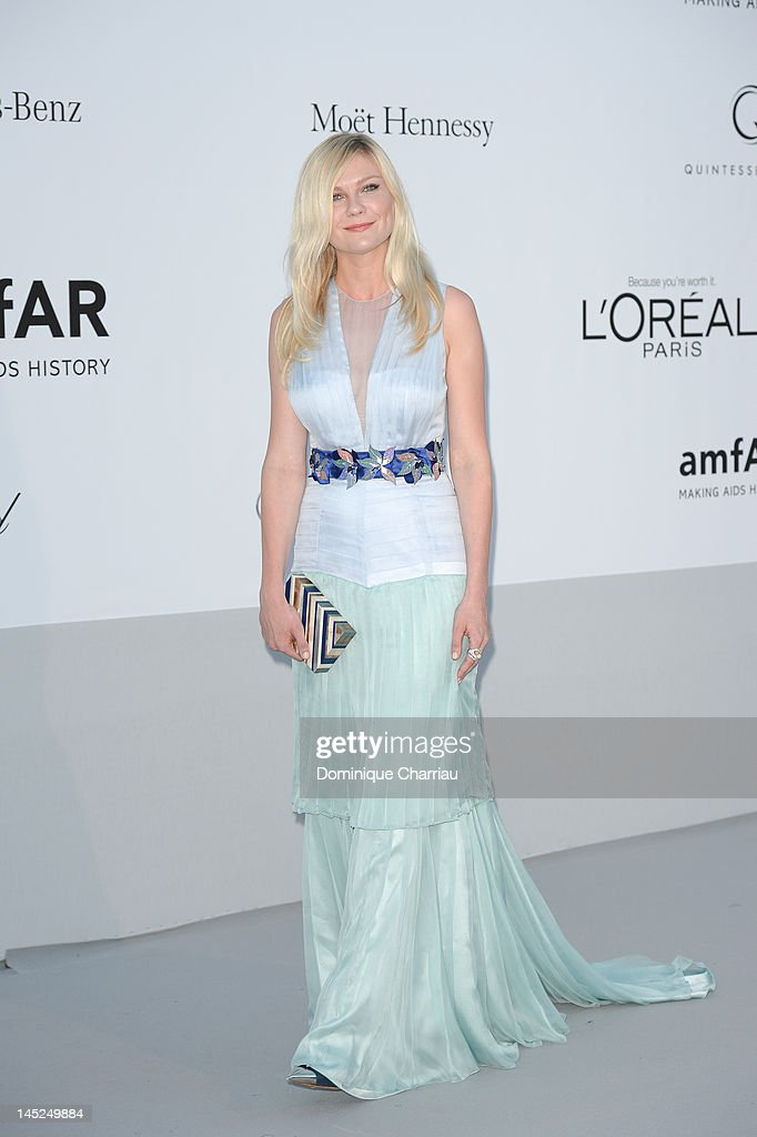 Kirsten Dunst arrives at the 2012 amfAR's Cinema Against AIDS during the 65th Annual Cannes Film Festival at Hotel Du Cap on May 24, 2012 in Cap D'Antibes, France.